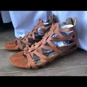 🌱3 for 24$ Sam & Libbylight brown sandals size 6